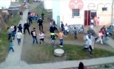 Šokujúce výpovede Rómov z obce Zborov po útoku policajtov