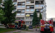 Pri požiari bytu sa zranilo dieťa