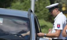 Polícia si v pondelok posvietila na vodičov, zistených 214 priestupkov