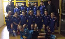 Dievčatá z Bardejova na turnaji vyhrali všetky zápasy a tešili sa z prvého miesta