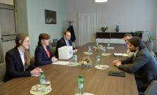 Kaliňák: Poplatok na matrikách za cirkevný sobáš sa zruší