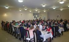 Farnosť Bardejov-Vinbarg zorganizovala ples, odštartoval svätou liturgiou