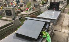 Vandal na cintoríne v Malcove