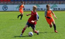 Trinásťroční futbalisti trikrát viedli, no napokon remizovali. Góly padali každé tri minúty