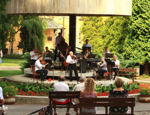 V lete láka do Bardejovských Kúpeľov hudba, kúpeľné dni, festivaly...