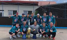 Bardejovskí hokejbalisti na turnaji vo Vranove so zlatom