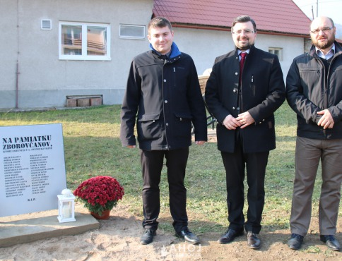 V Zborove pokrstili nový pamätník v časti Podhradie, spomínali na obete prvej svetovej vojny