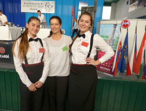 Úspešné študentky HA Natália Nováková a Alžbetka Marcinová