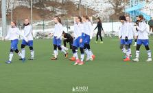 Futbalistky proti silnému celku KKS Czarni Sosnowiec odohrali vyrovnanú partiu