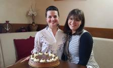 Odporúčame kombináciu espresso v Magure s koláčikom od Kristy´s Bakery