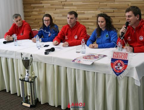 Futbalistky Bardejova znova zorganizovali tlačovku, chcú získať titul a Slovenský pohár