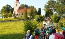 Do Gaboltova prišlo niekoľko tisíc veriacich
