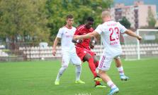 Futbalisti prehrali v Púchove rozdielom triedy, Petko musel predčasne pod sprchy