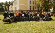 Študenti SSOŠ v Bardejove sa zapojili do Svetového upratovacieho dňa