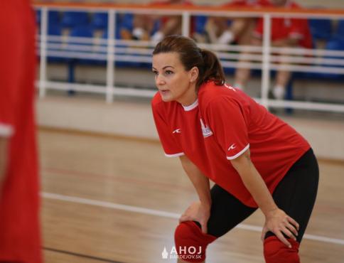 Vynovená športová hala hostila kvalitný volejbalový turnaj učiteľov