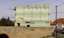 Poslanci schválili odkúpenie zeleného domu za 400 tisíc eur!