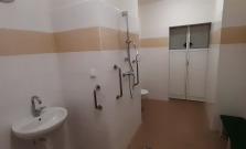 Bezbariérová kúpeľňa s WC v bardejovskej nemocnici
