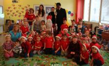 Mikuláš navštívil detičky aj v Bardejovskej Novej Vsi a v Smilne