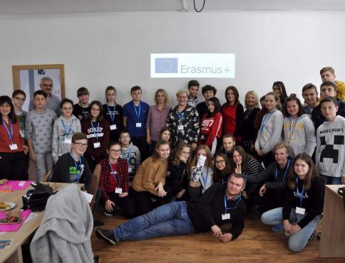 ZŠ s MŠ Pod Vinbargom v Bardejove vstupuje do ďalšieho Erasmus + projektu