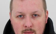 Polícia pátra po Petrovi Kleinovi, zdieľajte a pomôžte