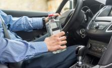 Bez vodičského oprávnenia, ale pod vplyvom alkoholu