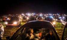 Letný večer s atmosférou ako vo vinici môžete zažiť aj v AUTOkine pod Hradom Šariš