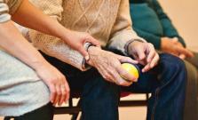 Seniori a znevýhodnení občania môžu opätovne požiadať o pomoc