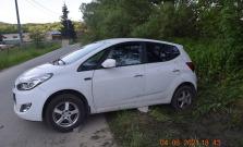 Zaparkované vozidlo sa dalo do pohybu, zrazilo 5 ročné dievčatko