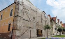 Oprava strechy na meštianskom dome na Radničnom námestí